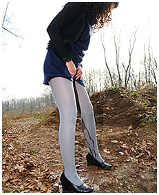 pantyhose oops with sara 01