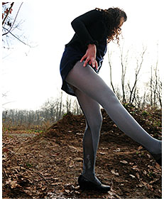 pantyhose oops with sara 03