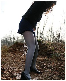 pantyhose oops with sara 05