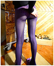 purple pantyhose dreched beatrice 01