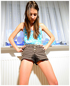 brown shorts wetting beatrice 05