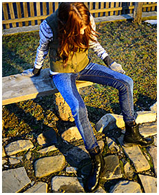 teen wets her jeans outside cold weather 04
