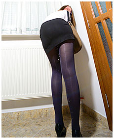 claudia pisses herself bound to a radiator 00