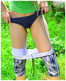 skipping rope damp tights situation with claudia 02