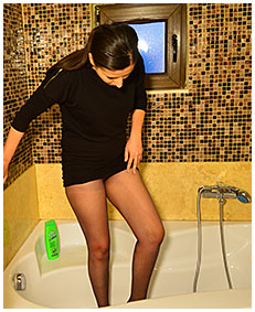 pissed pantyhose then shower clothed 03