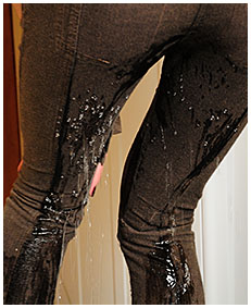 wetting herself accinde alice brown pants piss 00