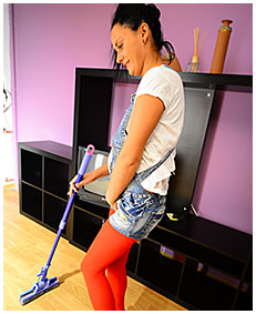housewife erica finds good oportunity to piss herself mopping the floor 01