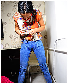 jeans wetting on facetime 04