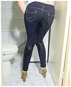 ruby takes a piss in her blue jeans 02