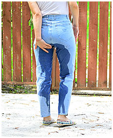 peeing in jeans 05
