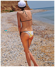 natalie wets her swimsuit on the beach then lies down all pissed to dry in the sun 01