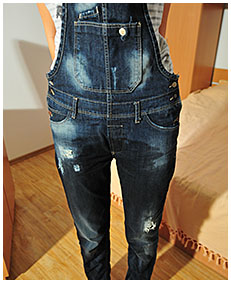natalie wets herself pissing jeans overalls 04