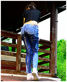 she is pissing into her jeans 02