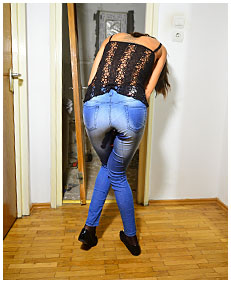 girl wets her jeans pantyhose broken toilet accident piss 00