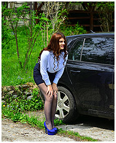 forgotten for hours in the car escort pisses her pantyhose 00