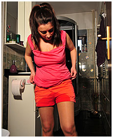 dee pisses her shorts and pantyhose while brushing her teeth 04