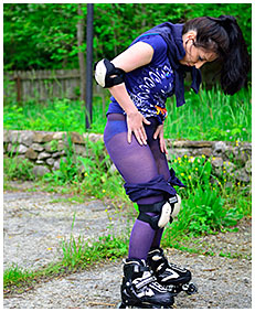 roller skate pee accident shorts and pantyhose 05