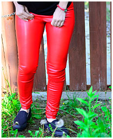 red leather pissed herself 03