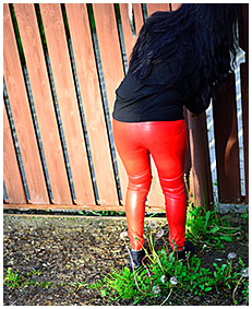 red leather pissed herself 04