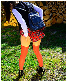 hot girl wetting school uniform in accident 05