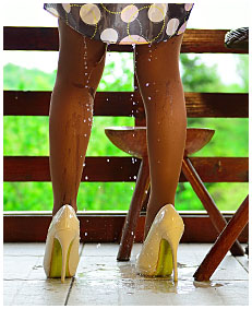 she goes into her tights wetting 01