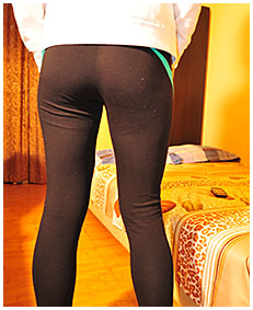 sexy teen girl wets running tights on purpose ruining her day pissing 02