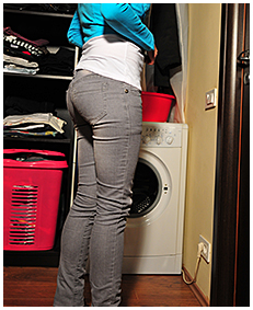 antonia wets her grey jeans pissing in her jeans wetting herself full bladder 04