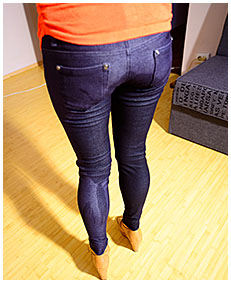 pissing jeggings urinating tight jeans panty piss girl sexy piss 05