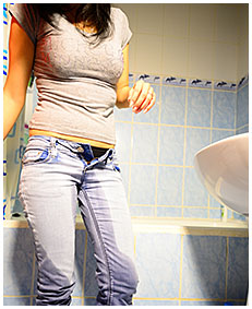tight jeans piss in bathroom antonia 03