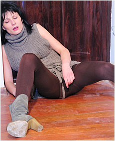 alice drunk wets 00000054 her brown pantyh