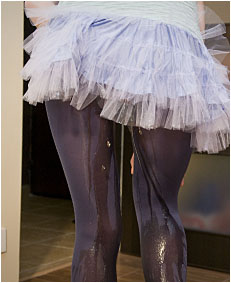 alice wetting herself in ballerina outfit 0062