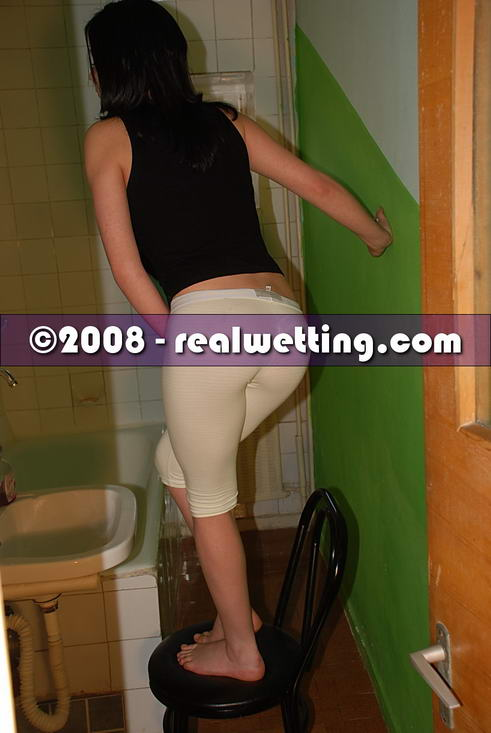 Mom becomes alice peeing in her pants site has