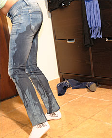 antonia drunk  00000031 wetting jeans