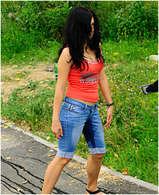 antonia pissing  00000035 jeans shorts