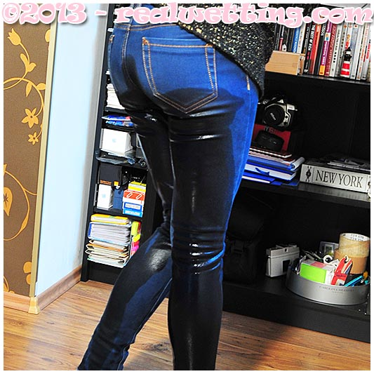 Desperate girl antonia pisses her tight jeans urinating on herself peeing her pants