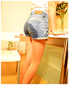 beatrice pisses herself while bored wetting jeans shorts and pantyhose 03