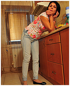 bianca pisses her jeans making a cup of tea 2