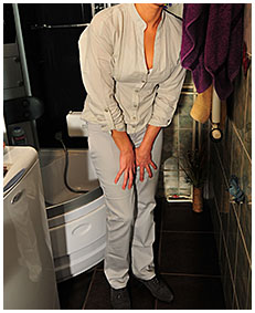 bianca pisses her pants prepairing for a shower the washes piss off 03
