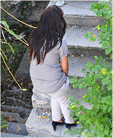 climbing the stairs dee wets herself peeing her white pants 1