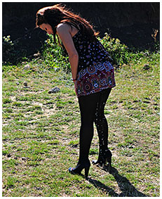 dee pees herself pantyhose pissed dress pissed herself while walking desperate 02