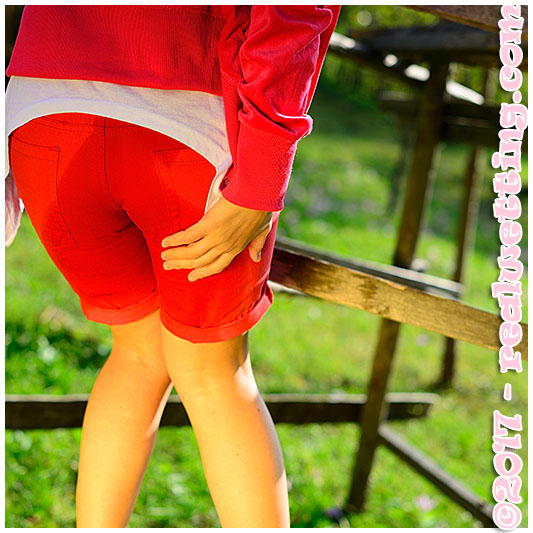 Red shorts situation with dee