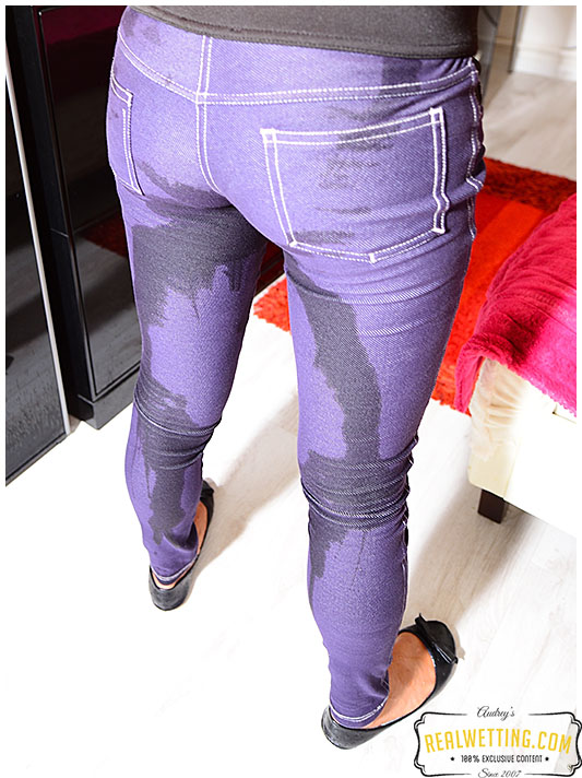 Purple jeggings wetting with Erica