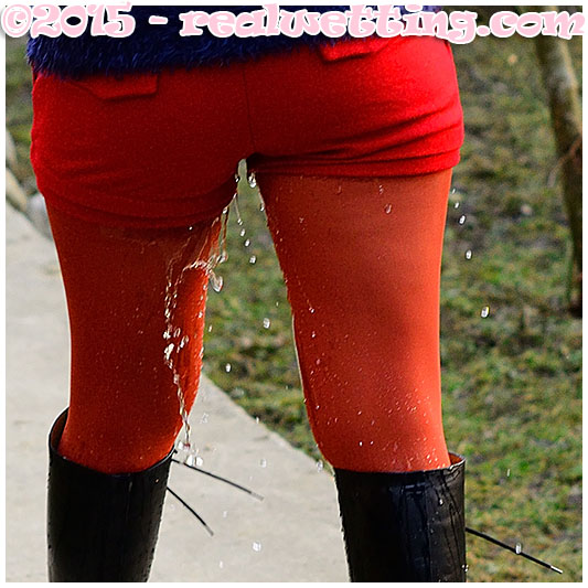 Gemma pisses her red pantyhose and boots desperate catwalk 03