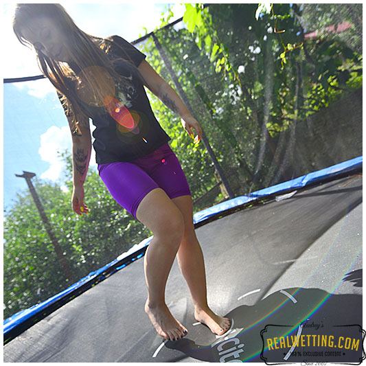 She does the piss jump for your pleasure