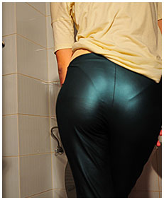 natalie pees her body and shiny tights 03