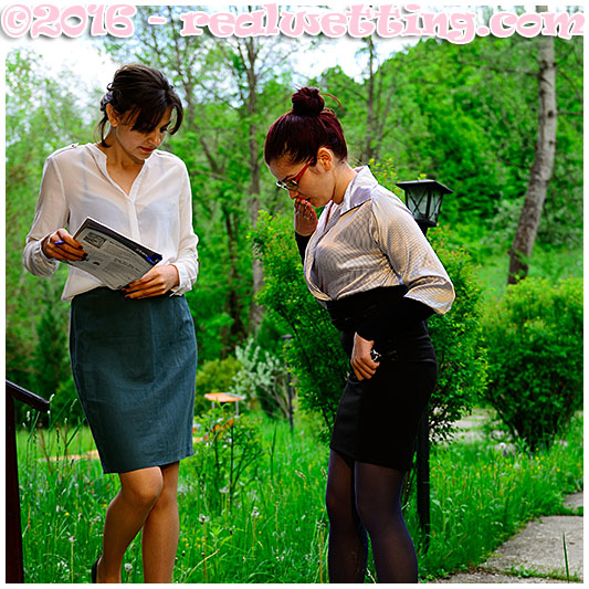 Natalie signs her utility contract. Ruby pisses herself in front of Natalies house