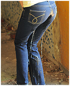 natalie wets her jeans in an abandoned building 05