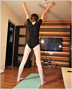 natalie wetting  024 yoga outfit work