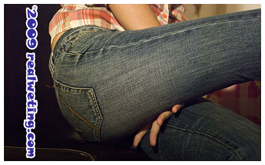 Natalie pissing her jeans on purpose and smoking fetish video clip