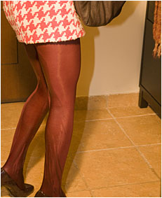 peeing her pantyhose as an escuse not to go out 0096